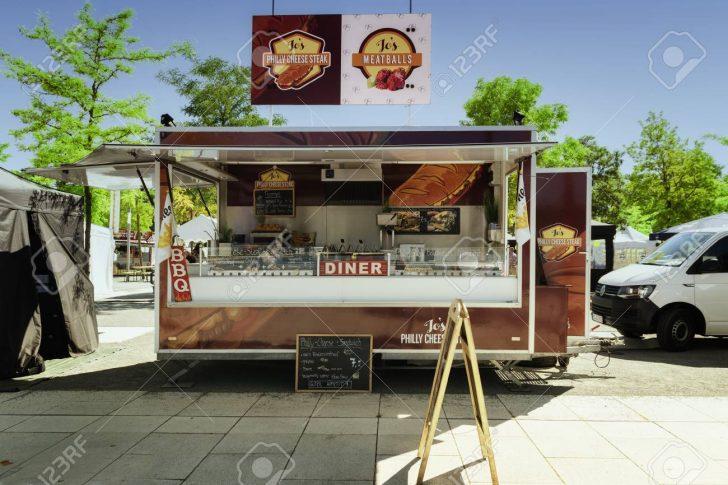 Medium Size of Schwerin, Germany, June 2, 2017: Mobile Kitchen In A Food Truck Küche Mobile Küche