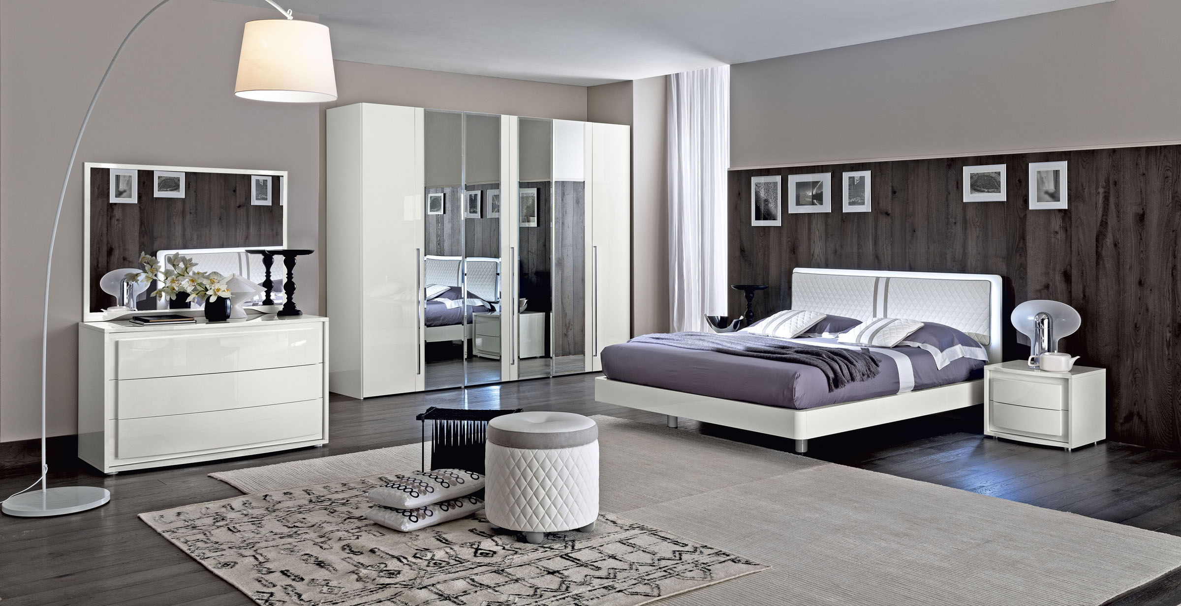 Full Size of Luxus Schlafzimmer Wohnideen Modern Bett Lampe Wandtattoos Komplettes Schranksysteme Regal Deckenleuchte Rauch Mit überbau Komplettangebote Günstige Komplett Schlafzimmer Luxus Schlafzimmer