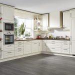 Landhausküche L Form Landhauskche In Cremewei Mit Holzarbeitsplatte Weisse Moderne Weiß Grau Gebraucht Küche Landhausküche