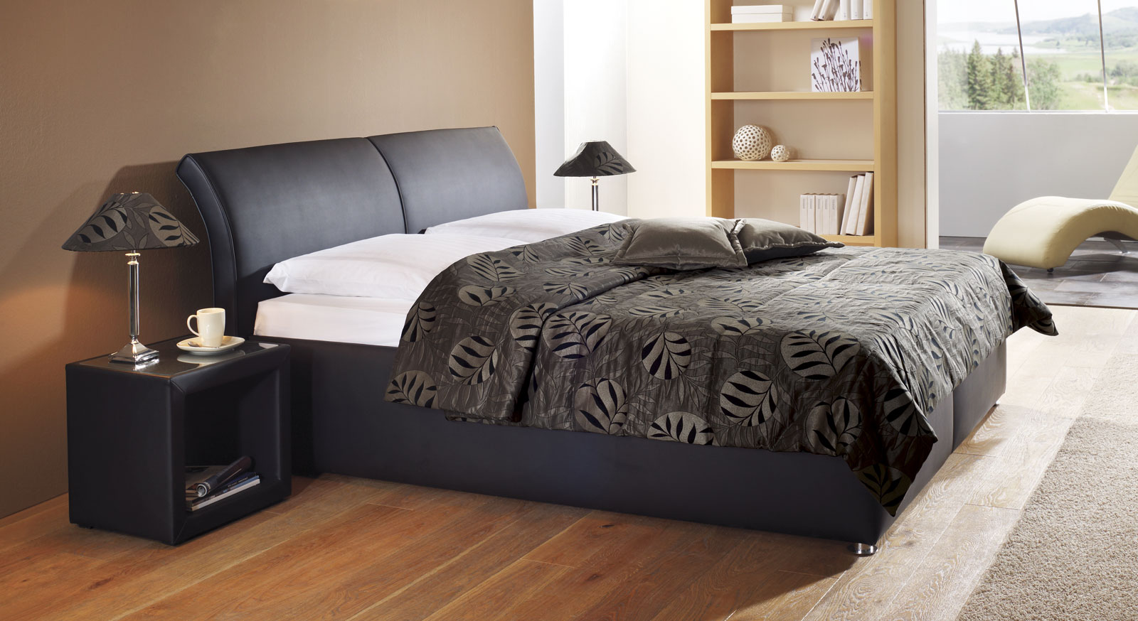 Full Size of Bett 180x200 Schwarz Holz Malm Schwarzbraun Stauraum Ikea Brimnes Polsterbett Trapani Mit Bettkasten In Z B Cm Hasena Betten Luxus Weißes 140x200 190x90 Bett Bett 180x200 Schwarz