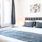 King Size Bett Bett Standard Studio Mit Kingsize Bett Iq130hotel Weiß 180x200 Dänisches Bettenlager Badezimmer Matratze Und Lattenrost 120x200 Bettkasten Schlafzimmer Set