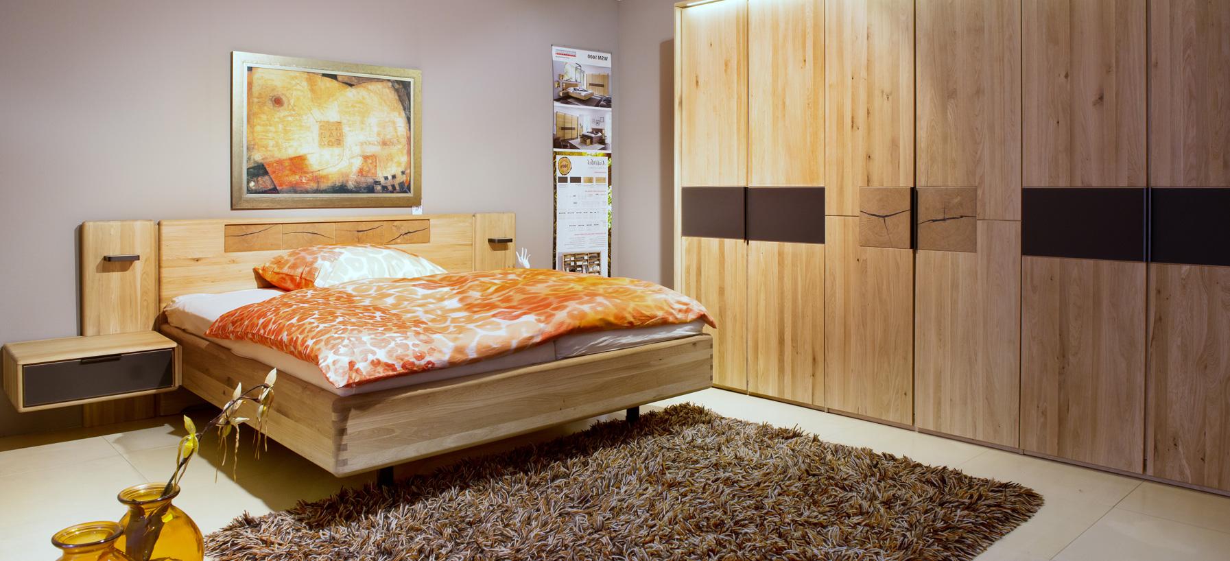 Full Size of Farr Wohnwelt Schlafzimmer Sitzbank Deckenleuchte Komplettes Vorhänge Stuhl Für Lampe Günstig Deckenlampe Set Weiß Schränke Schlafzimmer Schranksysteme Schlafzimmer