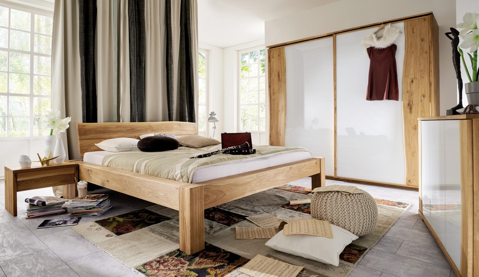 Full Size of Schlafzimmer Massivholz Dansk Design Massivholzmbel Mit überbau Komplett Poco Set Günstig Stuhl Günstige Guenstig Teppich Eckschrank Deckenleuchten Schrank Schlafzimmer Schlafzimmer Massivholz