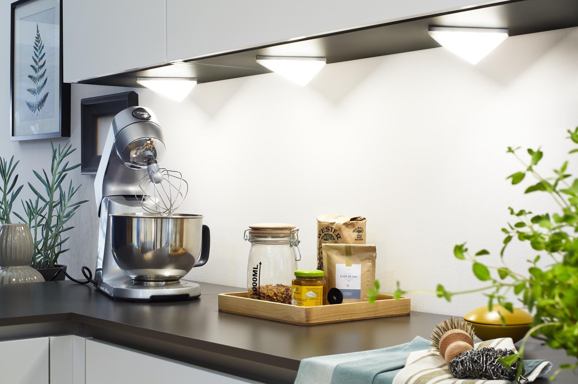 Full Size of Led Beleuchtung Küche Tolle Ideen Rund Um Das Thema Kchenbeleuchtung Weiße Grifflose Vorratsschrank Holzbrett Pendelleuchte Unterschränke Deko Für Holz Küche Led Beleuchtung Küche
