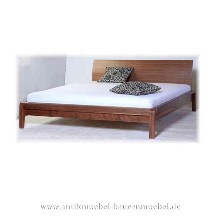 Medium Size of Bett Ohne Füße Doppelbett Holzbett 180x200 Nussbaum Furniert Moderne Weiß 140x200 Kingsize Mit Stauraum 160x200 Bette Duschwanne Minimalistisch Poco Bett Bett Ohne Füße