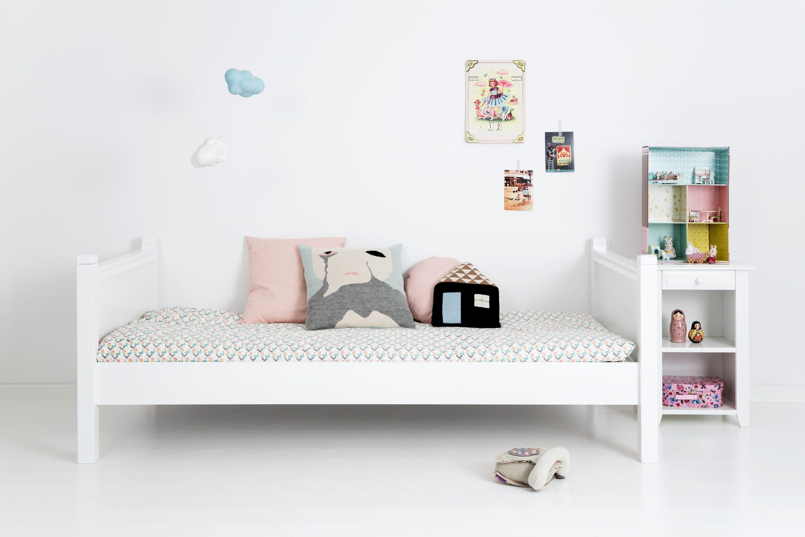 Full Size of Einzelbett Mit Knpfen 90 200 Cm Jabo Betten 90x200 Tempur Aus Holz Ruf Preise 200x220 Bett Weiß Amazon 180x200 Dänisches Bettenlager Badezimmer Frankfurt Bett Betten 90x200