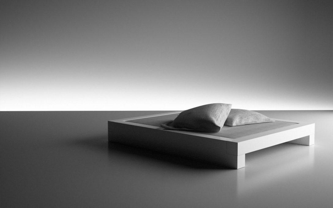 Large Size of Bett Modern Design Somnium Minimalistisches Von Ruf Betten Fabrikverkauf Minimalistisch Platzsparend Oschmann 80x200 Günstig Kaufen 180x200 Halbhohes Ohne Bett Bett Modern Design