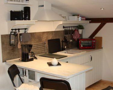Tresen Küche Küche Apartment Trine Pipers Küche Blende Einbauküche Günstig Nischenrückwand Planen Nolte Modern Weiss Weisse Landhausküche Klapptisch Vorhang Sitzecke