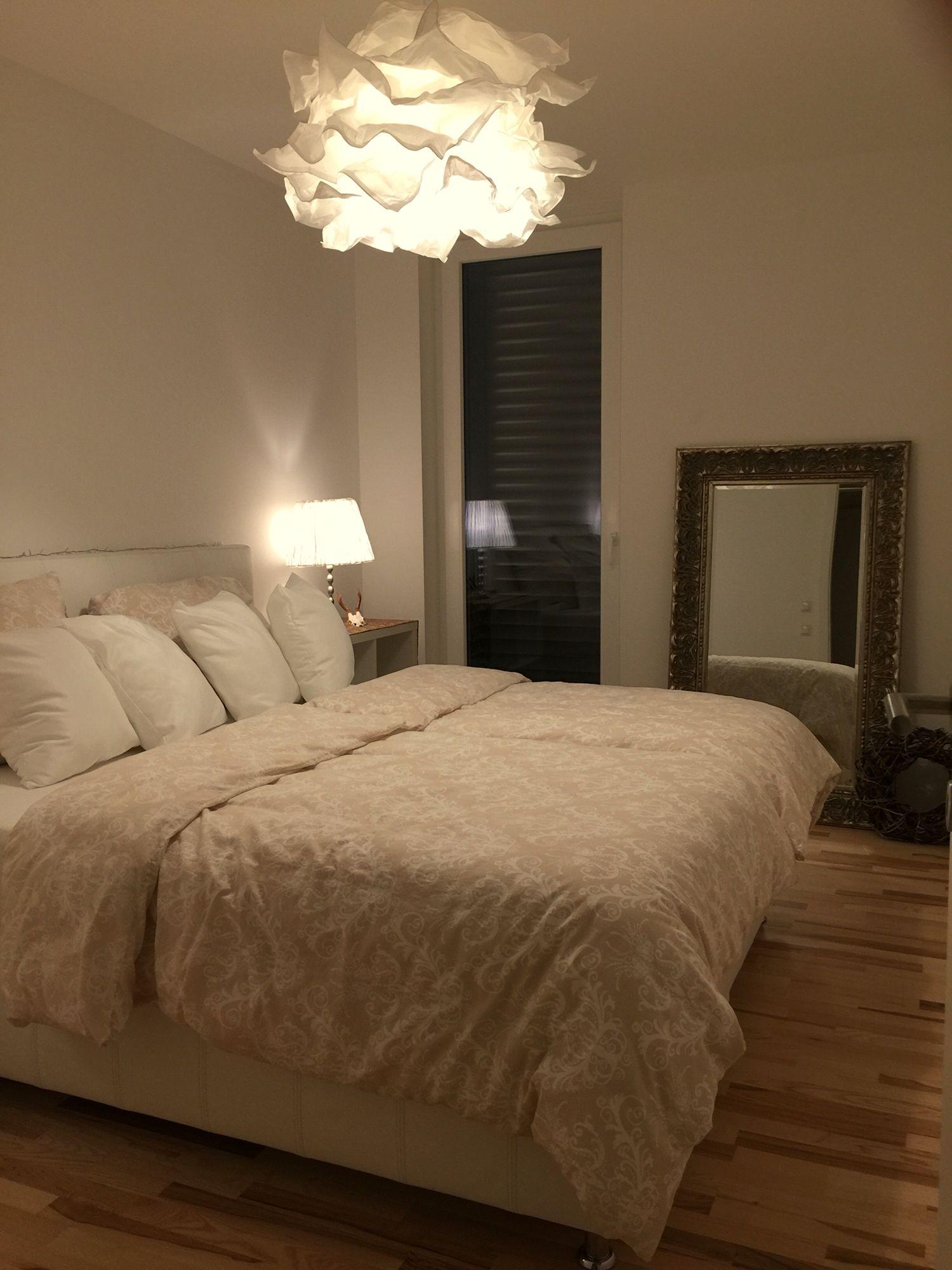 Full Size of Schlafzimmer Lampen Romantisch Ikea Krusning Romantische Weißes Wandtattoo Deckenleuchte Regal Komplette Komplett Guenstig Günstig Poco Landhausstil Schrank Schlafzimmer Romantische Schlafzimmer