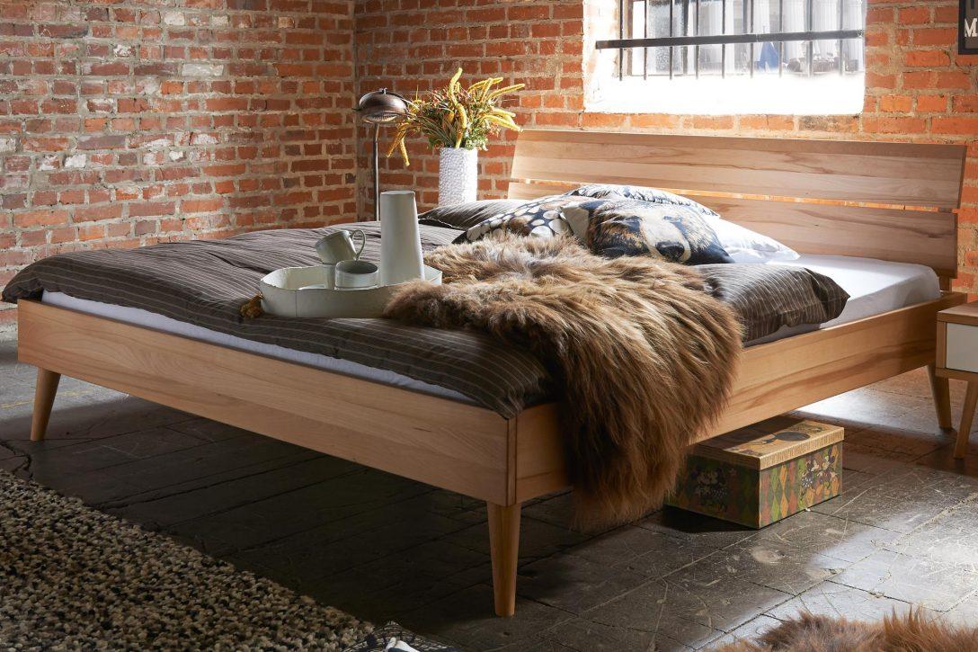 Large Size of Bett Italienisches Design Modern Puristisch Tjoernbo Konfigurator Sleep Mit Schreibtisch 180x200 Lattenrost Und Matratze 140x200 Weiß Halbhohes King Size Bett Bett Modern Design