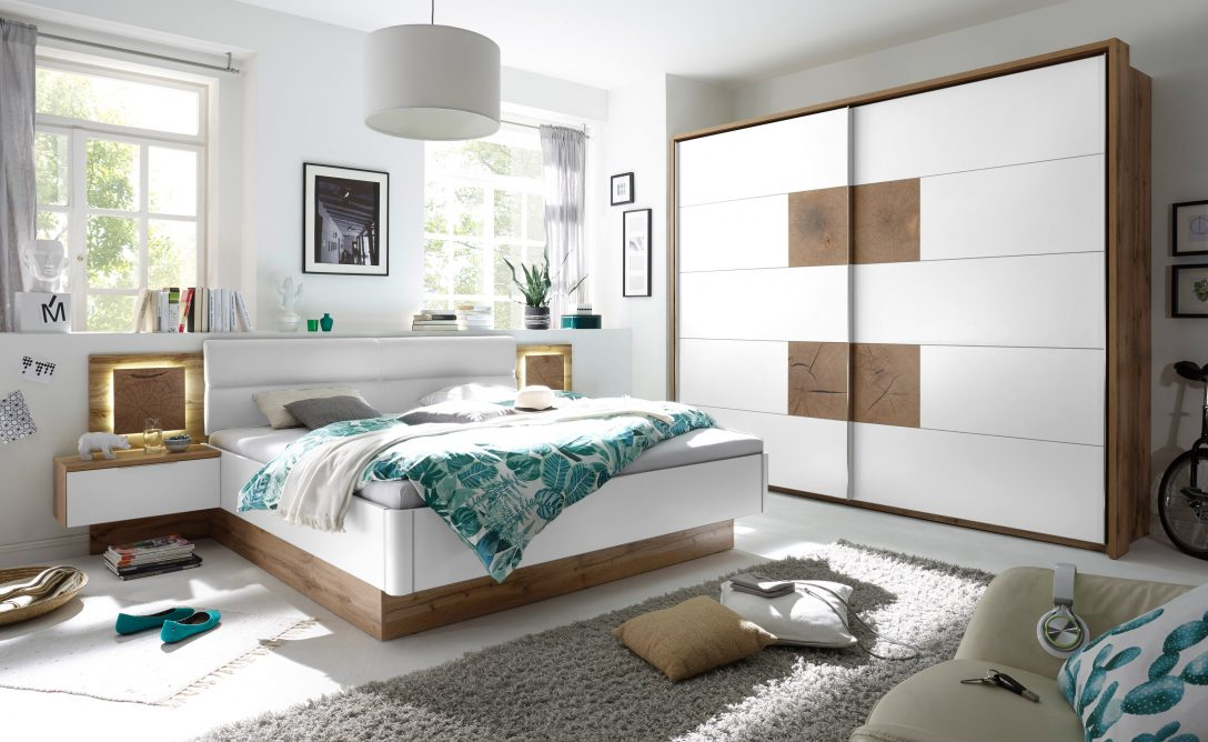 Large Size of Schlafzimmer Komplett Weiß Set 4 Tlg Capri Bett 180 Kleiderschrank Komplettangebote Regal Metall Rauch Sessel Wandtattoo Vorhänge 100x200 180x200 Mit Schlafzimmer Schlafzimmer Komplett Weiß