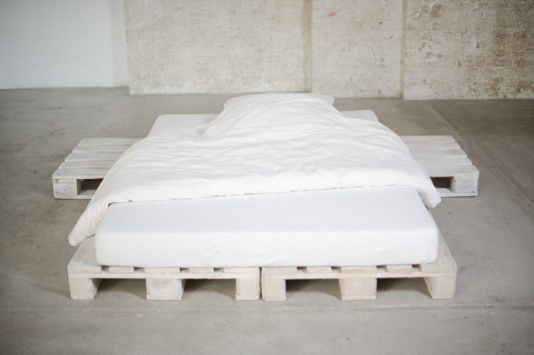 Large Size of Bett Aus Paletten Kaufen 140x200 Mit Lattenrost Europaletten Gebraucht Upcycling Leicht Gemacht Keilkissen Jabo Betten 140 Bettkasten Einbaustrahler Bad Bett Bett Aus Paletten Kaufen