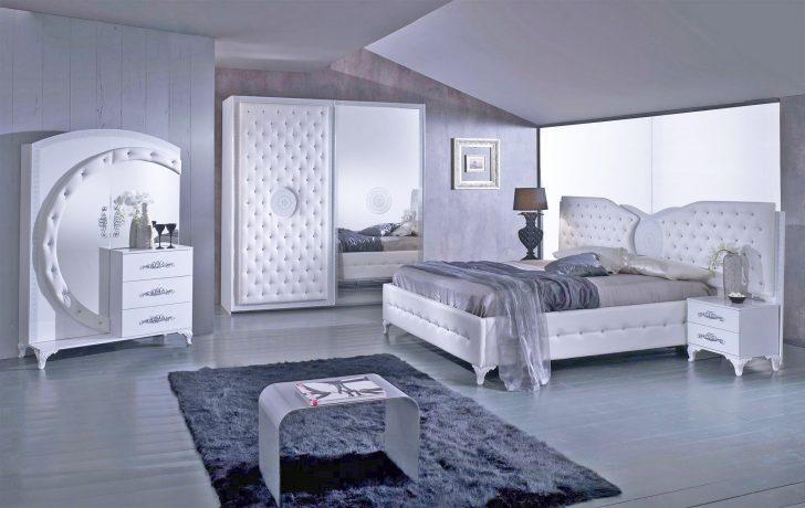 Medium Size of Schnes Schlafzimmer Landhaus Eckschrank Deko Weißes Sofa Bett 90x200 Klimagerät Für Betten Deckenlampe Landhausstil Weiß Wiemann Regal Schimmel Im Lampe Schlafzimmer Weißes Schlafzimmer
