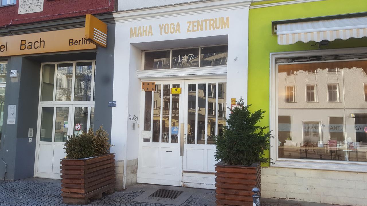 Full Size of Homestay Weiche Betten Im Yoga Haus Japanische Aus Holz Regale Berlin Amazon Outlet Günstig Kaufen Schöne Französische Hülsta 140x200 Ruf Mädchen Bett Betten Berlin