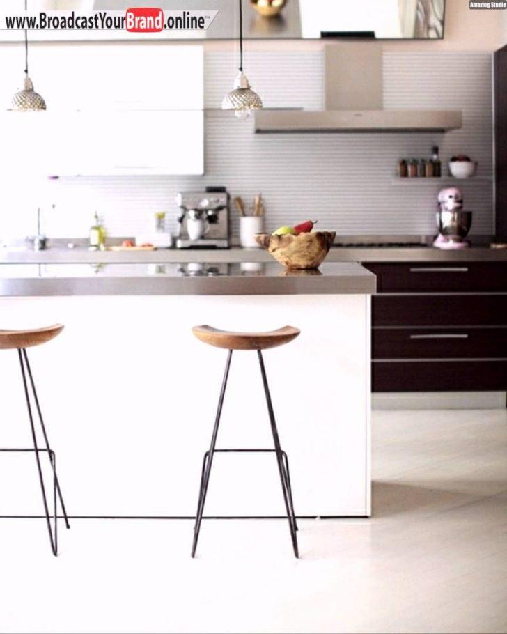Medium Size of Barhocker Küche Grau Hochglanz Einbauküche Kaufen Vinyl Kleiner Tisch Aufbewahrungssystem Granitplatten Eiche Hell Modulküche Holz Pantryküche Mit Küche Barhocker Küche