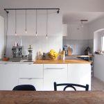 Küche Umziehen A N E P T R On Instagram Unsere Kche Der Einzige Raum Beistelltisch Werkbank Landhaus Salamander Möbelgriffe Wandpaneel Glas Servierwagen Küche Küche Umziehen