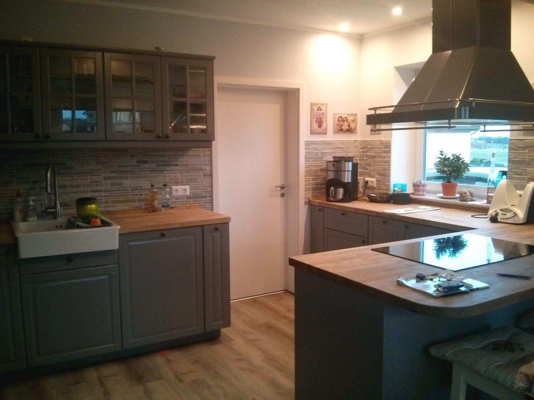 Large Size of Billige Küche Regal Ikea Kche Wei Billig Kchenschrank Ideen Behindertengerechte Wasserhahn Für Auf Raten Landhausstil Planen Unterschrank Pendelleuchten Küche Billige Küche
