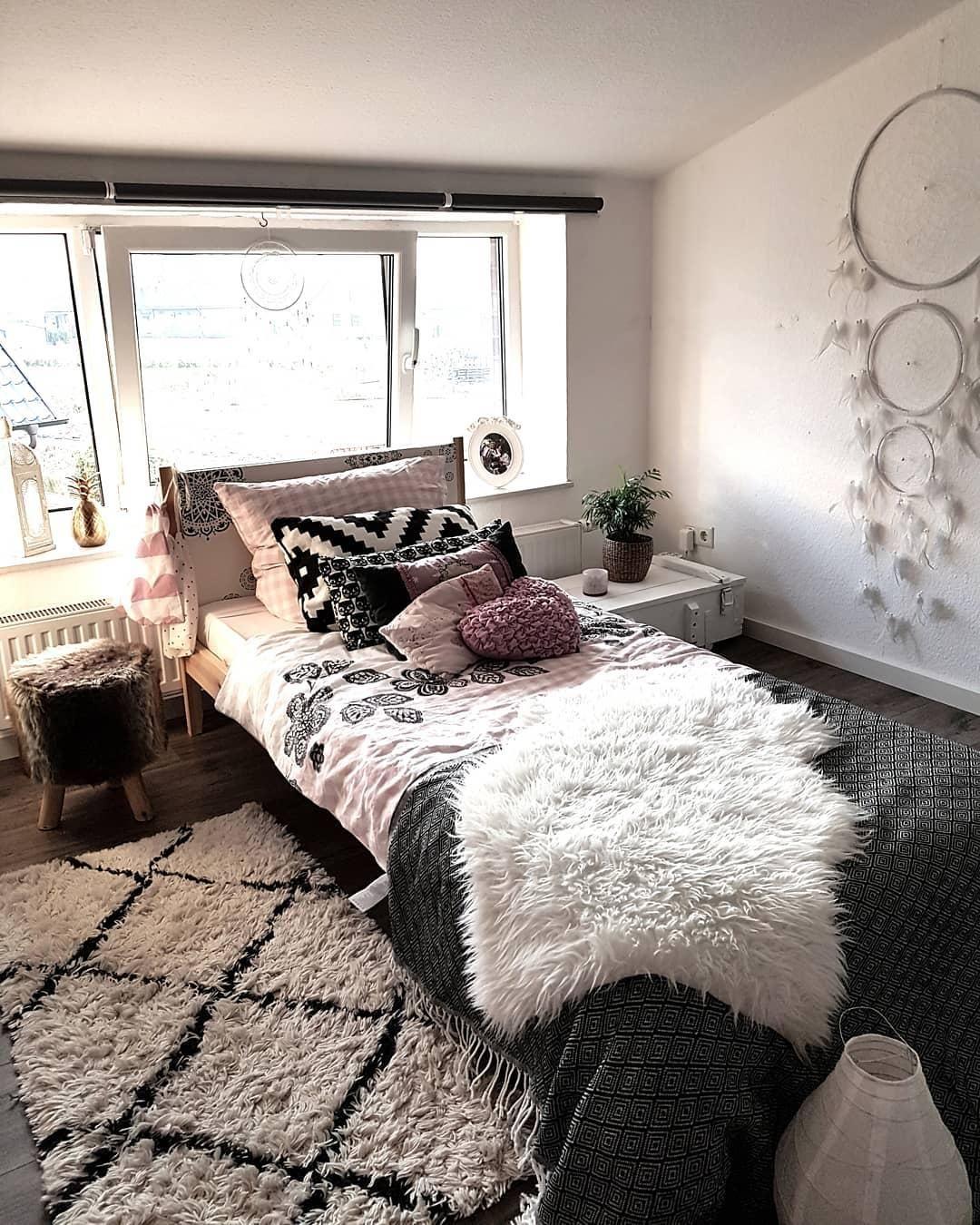 Full Size of Schaffell Carry Schlafzimmer Bett Günstig Landhausstil Wandleuchte Wiemann Wohnzimmer Teppiche Günstige Komplett Set Eckschrank Rauch Schranksysteme Truhe Schlafzimmer Teppich Schlafzimmer