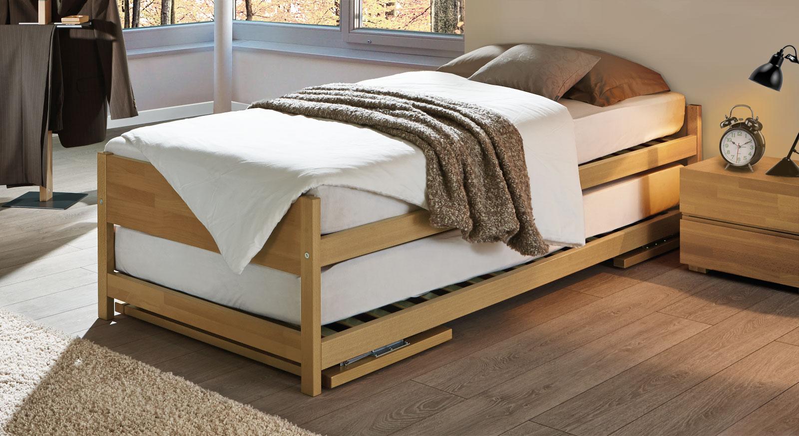 Full Size of Zwei Betten Gleicher Gre Unser Ausziehbett On Top Weiß Bettwäsche Sprüche Paradies Designer Bett Mit Schubladen Hunde 200x200 Balken Einfaches Günstig Bett Bett Zum Ausziehen