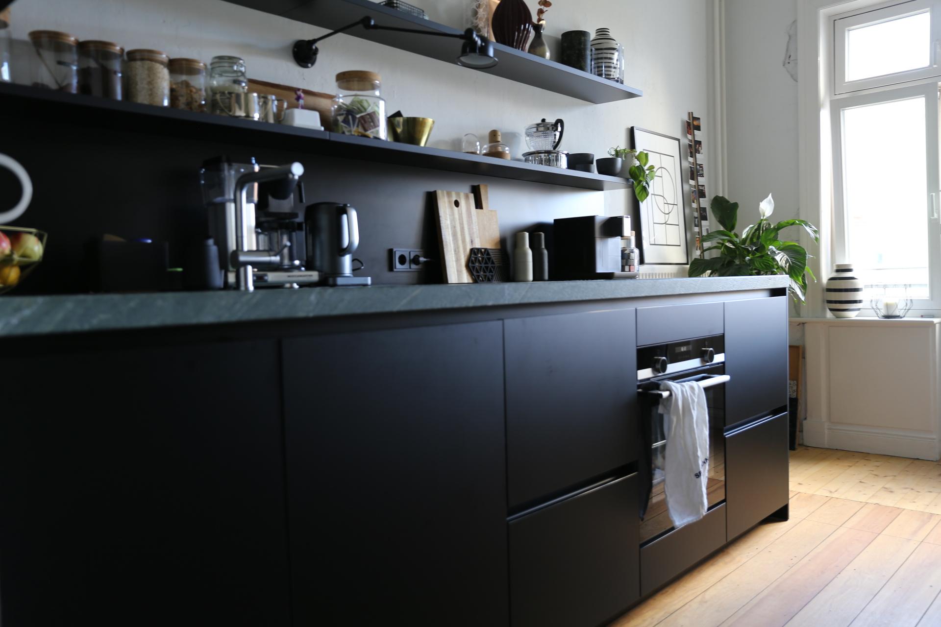 Full Size of Schwarze Küche Ohne Oberschränke Schwarze Küche Matt Ikea Schwarze Küche Nachteile Was Ist Eine Schwarze Küche Küche Schwarze Küche