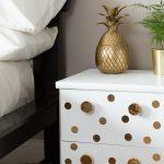 D C Home Dein Neuer Hingucker Nachttisch Mit Gold Sitzbank Schlafzimmer Wohnzimmer Dekoration Günstige Deko Komplette Günstig Deckenleuchte Modern Schlafzimmer Deko Schlafzimmer