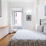 Schwebendes Bett Bett Schwebendes Bett Bodhouse Design Ferienwohnung Rome Center Modernes 180x200 Betten 90x200 120x200 Mit Bettkasten Eiche Massiv Matratze Und Lattenrost Wand