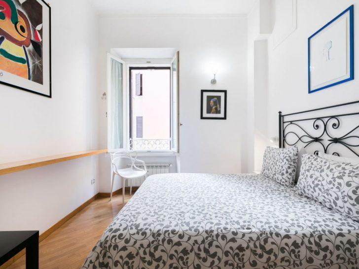 Medium Size of Schwebendes Bett Bodhouse Design Ferienwohnung Rome Center Modernes 180x200 Betten 90x200 120x200 Mit Bettkasten Eiche Massiv Matratze Und Lattenrost Wand Bett Schwebendes Bett