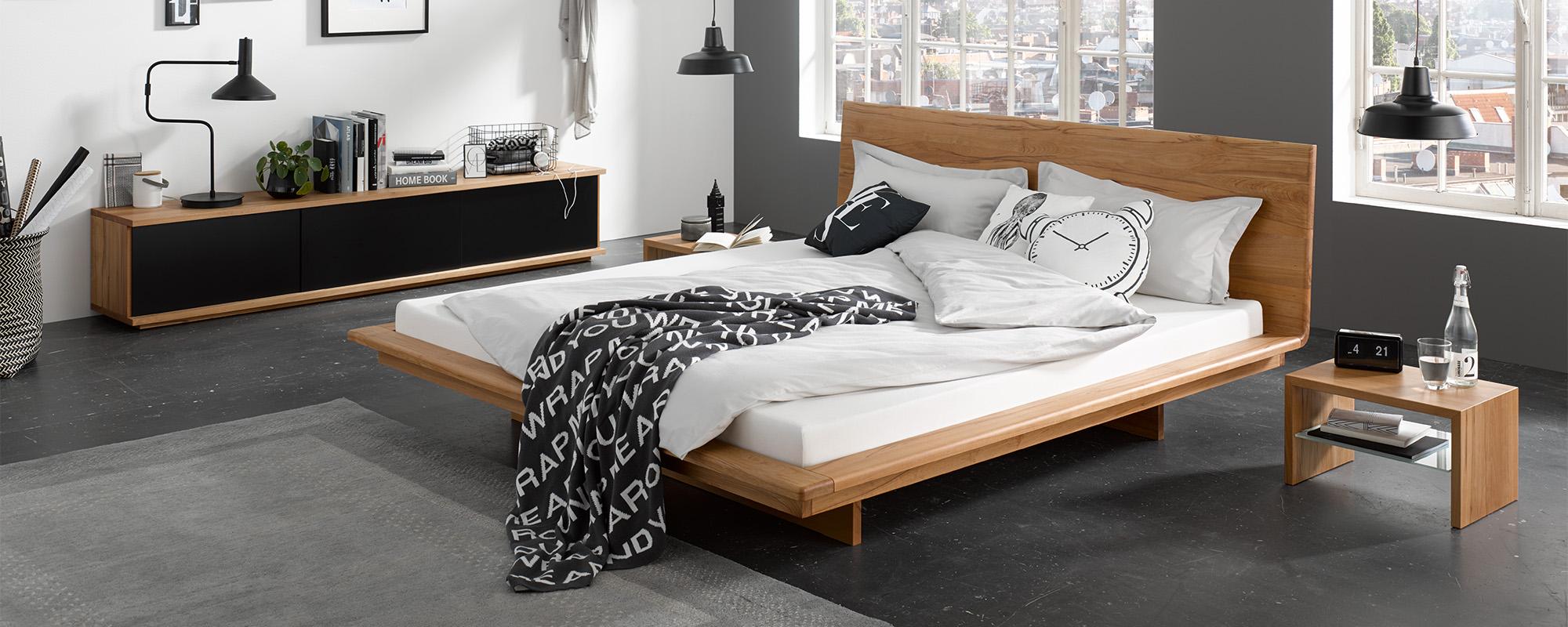 Full Size of Bett Matis Aus Massivholz Jensen Betten Weiß 180x200 Ausklappbar 120x190 Ikea 160x200 Teenager Köln Jabo Mit Matratze Hohem Kopfteil Schubladen Landhaus Bett Japanisches Bett