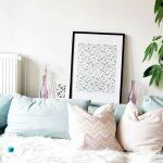 Homestory Wohn Schlafzimmer Dekoration Wandbilder Komplett Günstig Mit überbau Sessel Deckenlampe Deckenleuchten Eckschrank Landhausstil Tapeten Truhe Schlafzimmer Wandbilder Schlafzimmer