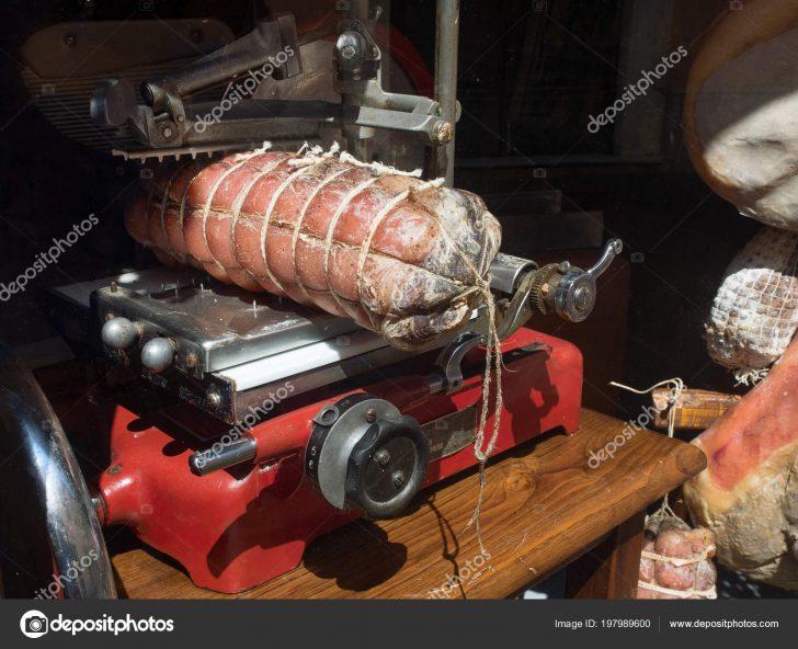 Medium Size of Küche Rot Schinken Mit Groe Wurst Eine Ausstellungsstück Grifflose Amerikanische Kaufen Tapeten Für Wandtattoo Abfalleimer Einhebelmischer Arbeitsplatte Küche Schneidemaschine Küche