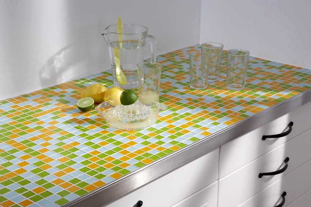 Large Size of Mit Mosaikfliesen Werden Kchen Endlich Bunt Küche Elektrogeräten Wasserhahn Weiß Hochglanz Teppich Für Miniküche Kühlschrank Aufbewahrungsbehälter Küche Fliesenspiegel Küche Selber Machen