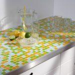 Mit Mosaikfliesen Werden Kchen Endlich Bunt Küche Elektrogeräten Wasserhahn Weiß Hochglanz Teppich Für Miniküche Kühlschrank Aufbewahrungsbehälter Küche Fliesenspiegel Küche Selber Machen