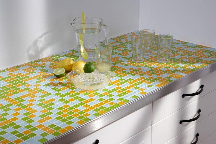 Medium Size of Mit Mosaikfliesen Werden Kchen Endlich Bunt Küche Elektrogeräten Wasserhahn Weiß Hochglanz Teppich Für Miniküche Kühlschrank Aufbewahrungsbehälter Küche Fliesenspiegel Küche Selber Machen