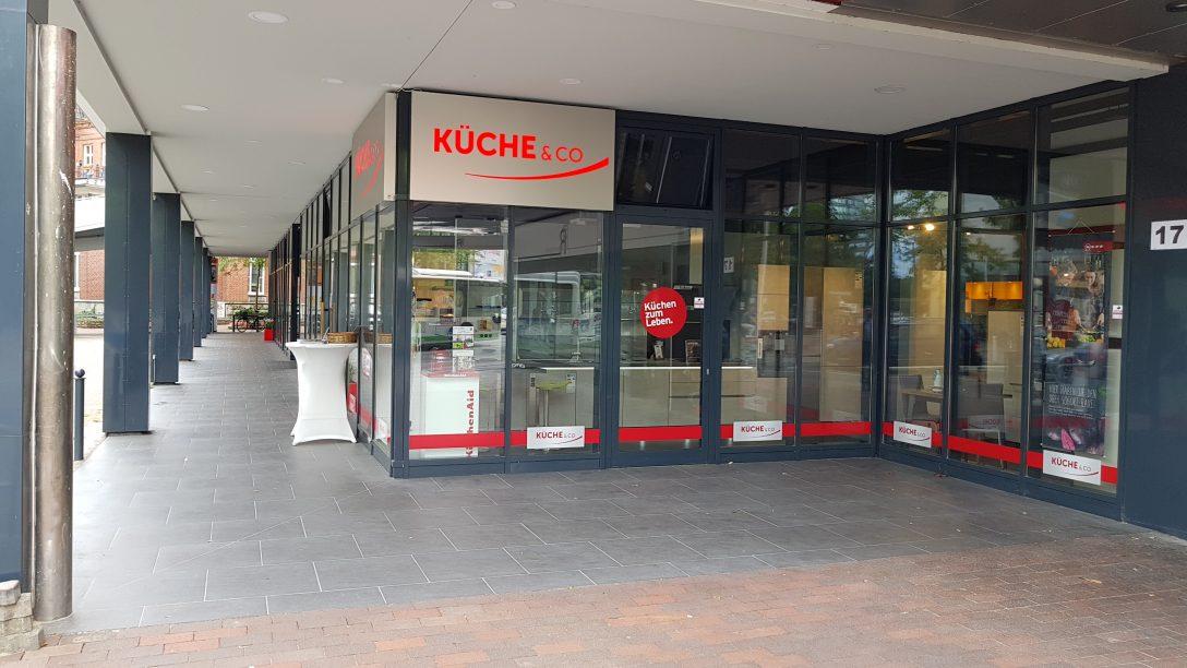Large Size of Küche Auf Raten Kchenstudio Hamburg Harburg Kcheco Bodenbelag Gardinen Für Die Sofa Nolte Esstisch Kaufen Tapete Modern Was Kostet Eine Mischbatterie Miele Küche Küche Auf Raten