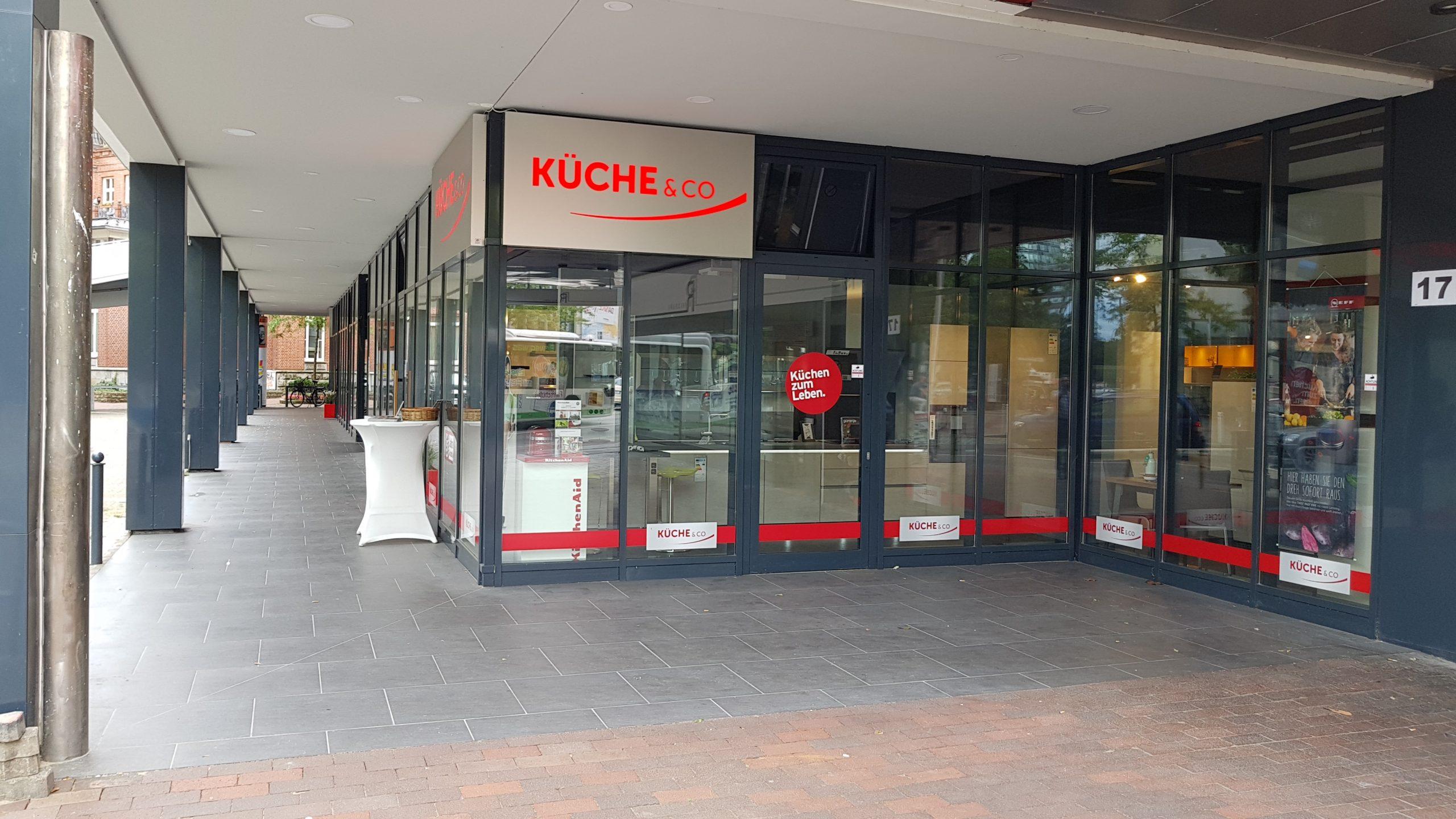 Full Size of Küche Auf Raten Kchenstudio Hamburg Harburg Kcheco Bodenbelag Gardinen Für Die Sofa Nolte Esstisch Kaufen Tapete Modern Was Kostet Eine Mischbatterie Miele Küche Küche Auf Raten