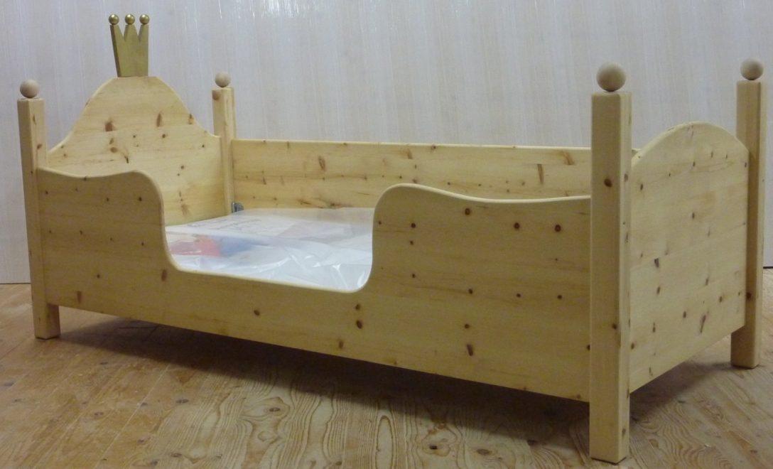 Large Size of Ein Kinderbett Aus Zirbe Von Zwergenmbel Ruf Betten Preise Meise Schramm Amerikanische Kaufen 140x200 Mit Schubladen Kopfteile Für Rauch Ausgefallene Moebel Bett Kinder Betten