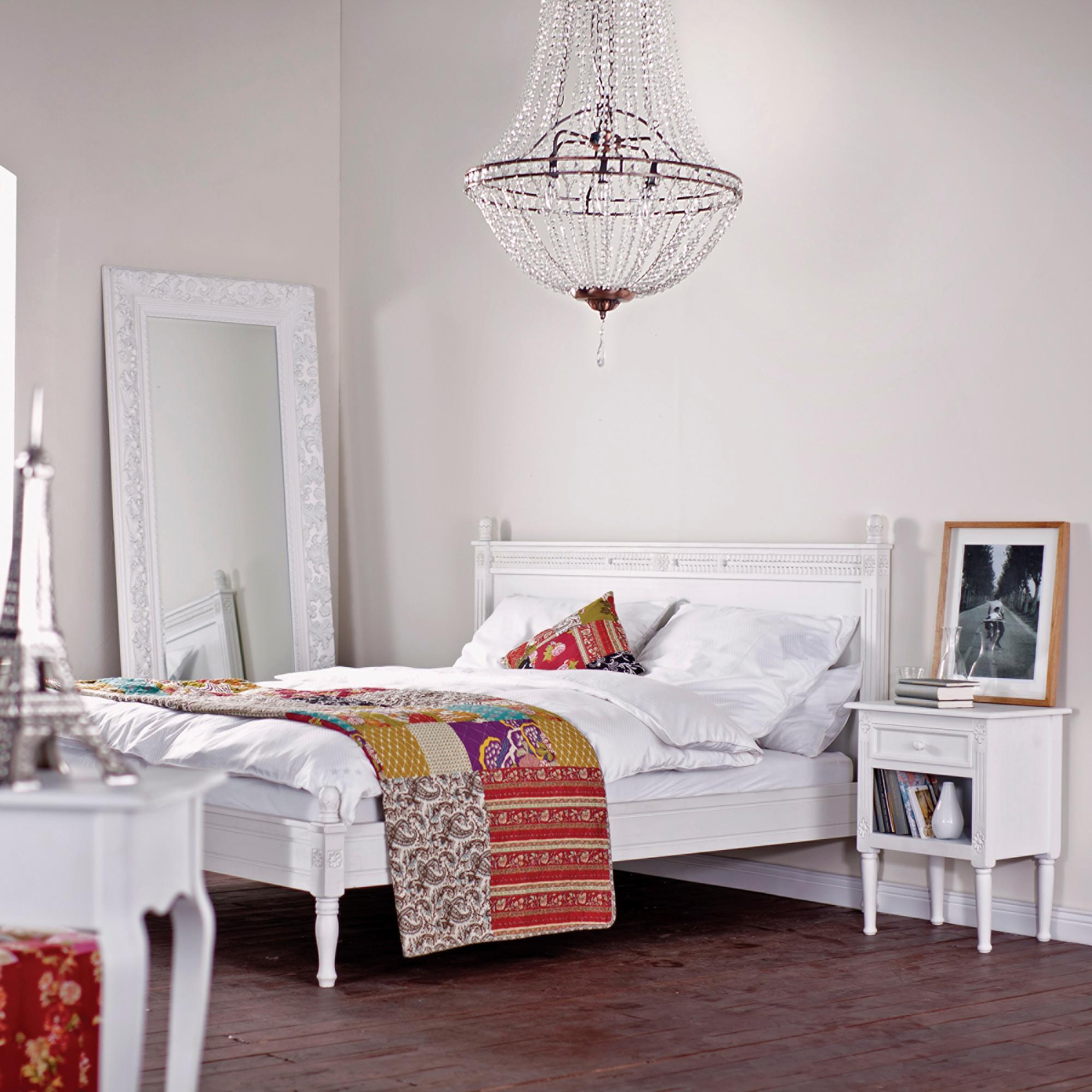 Full Size of Kronleuchter Schlafzimmer Im Bett Spiegel Bilderr Wandtattoo Led Deckenleuchte Landhausstil Kommode Regal Eckschrank Mit überbau Weißes Luxus Komplett Schlafzimmer Kronleuchter Schlafzimmer