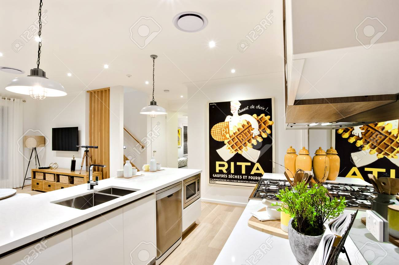 Full Size of Modern Kitchen Closeup With White Walls And Hanging Lamps Küche Theke Küche