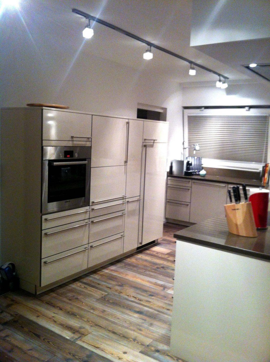 Large Size of 25 Luxus Einbaukche Mit Viel Stauraum Kitchen Aluminium Verbundplatte Küche Beistelltisch Nolte Gardinen Für Die Spülbecken Hängeschrank Glastüren Küche Hängeschrank Küche Höhe
