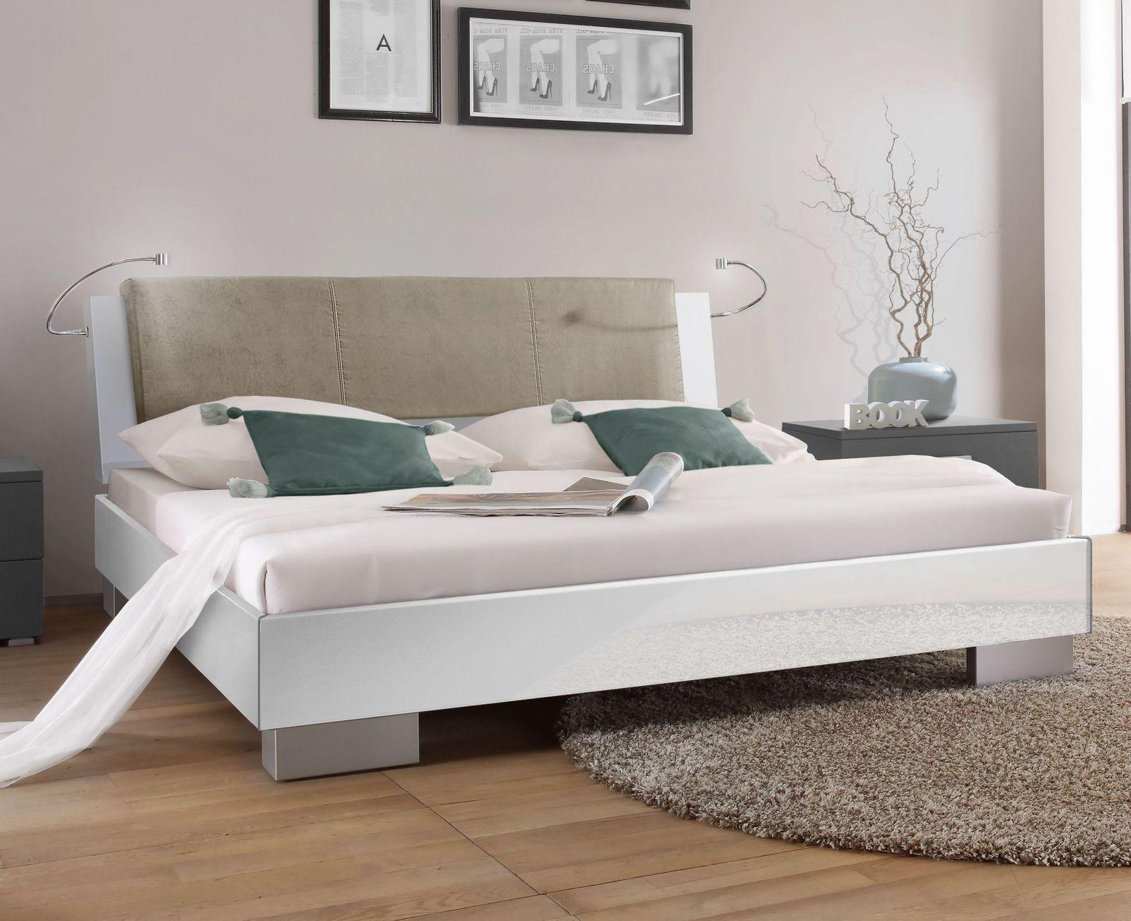 Full Size of Bett In Hochglanz Wei Piceno Bettende 160 Prinzessin Romantisches Weiß 120x200 180x200 Günstig Altes Erhöhtes Bette Starlet Betten 160x200 Bett Weißes Bett