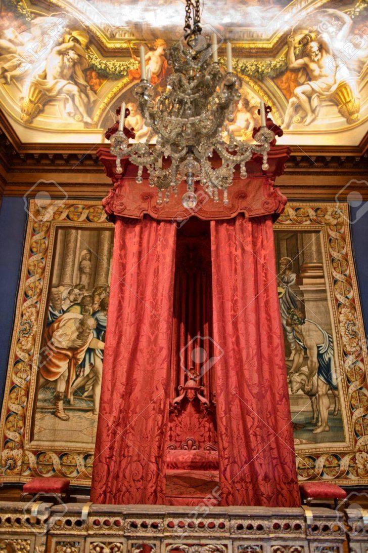 Medium Size of Barock Bett Im Hampton Court Palace In Nhe Sitzbank Sofa Paradies Betten 180x200 Komplett Mit Lattenrost Und Matratze 200x180 160x200 140x220 Wickelbrett Für Bett Barock Bett