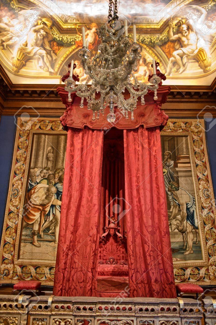 Full Size of Barock Bett Im Hampton Court Palace In Nhe Sitzbank Sofa Paradies Betten 180x200 Komplett Mit Lattenrost Und Matratze 200x180 160x200 140x220 Wickelbrett Für Bett Barock Bett