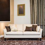 Beige Sofa In Luxurious Living Room Wohnzimmer Vorhang Wohnzimmer