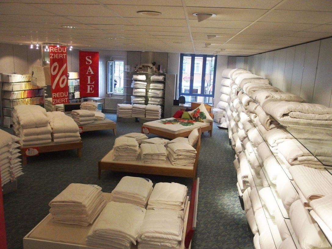 Large Size of Betten Outlet Bd Ravensburg Durners Webseite Weiß Massivholz Japanische Dänisches Bettenlager Badezimmer Mit Aufbewahrung Massiv Innocent 140x200 Günstige Bett Betten Outlet