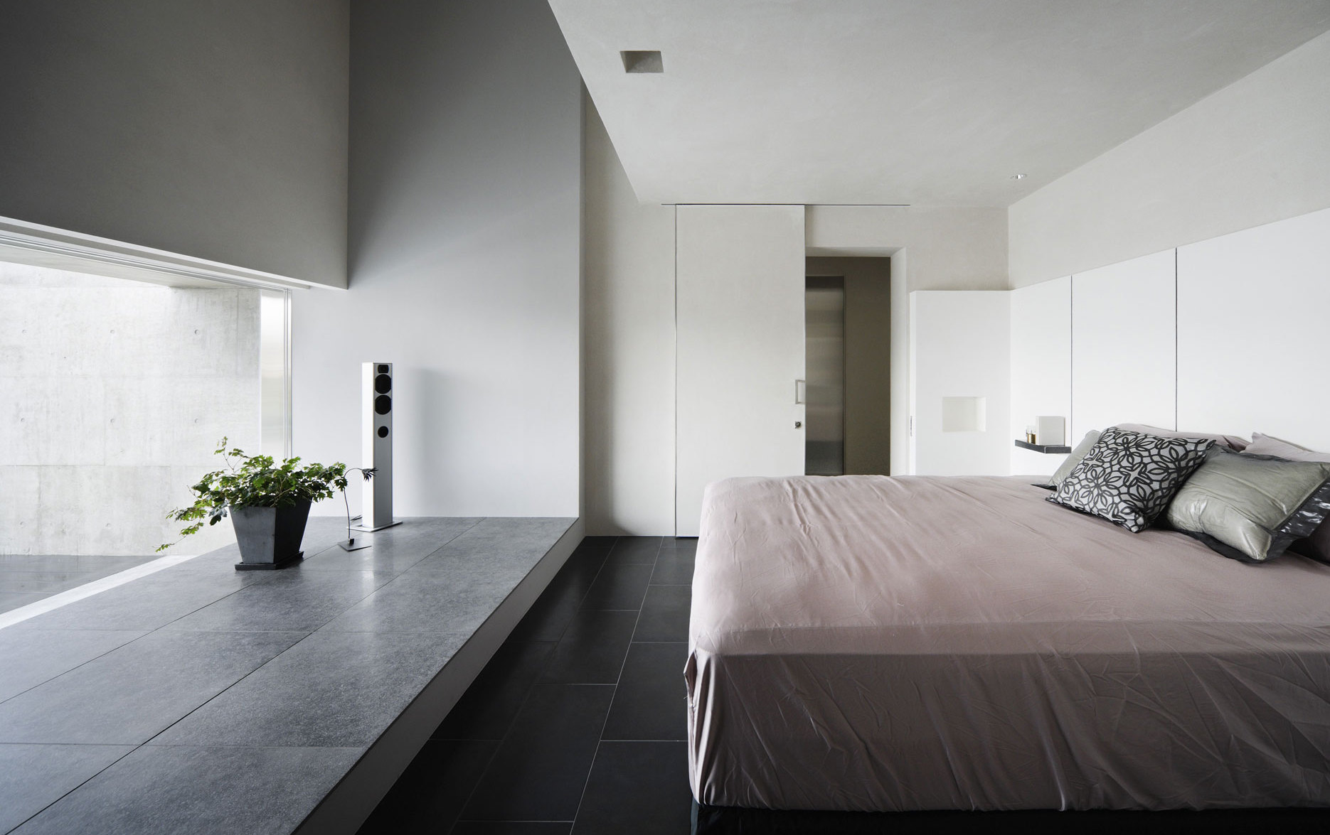 Full Size of Luxus Schlafzimmer Design Mit Schiebetr Wei Loddenkemper Stuhl Für Günstige Teppich Rauch Tapeten Lampen Vorhänge Romantische Betten Sofa Schranksysteme Schlafzimmer Luxus Schlafzimmer