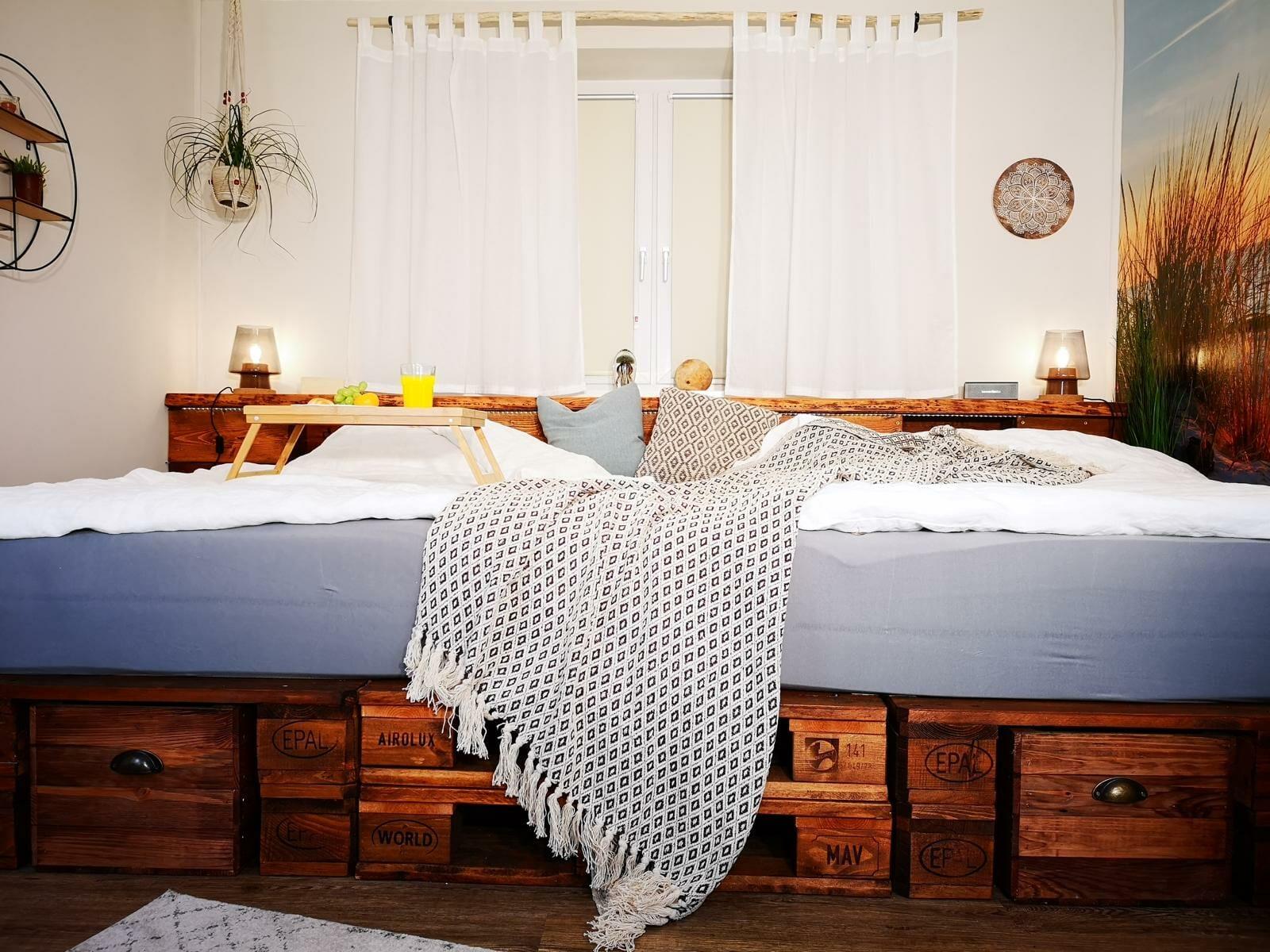 Full Size of Palettenbett Selber Bauen Kaufen Europaletten Betten Flexa Rauch 140x200 120x200 Günstig 180x200 Moebel De Joop Für übergewichtige Massivholz überlänge Bett Schöne Betten