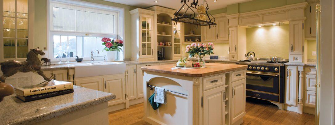 Large Size of Landhausküche Klassische Landhauskchen Und Englische Weisse Gebraucht Grau Weiß Moderne Küche Landhausküche