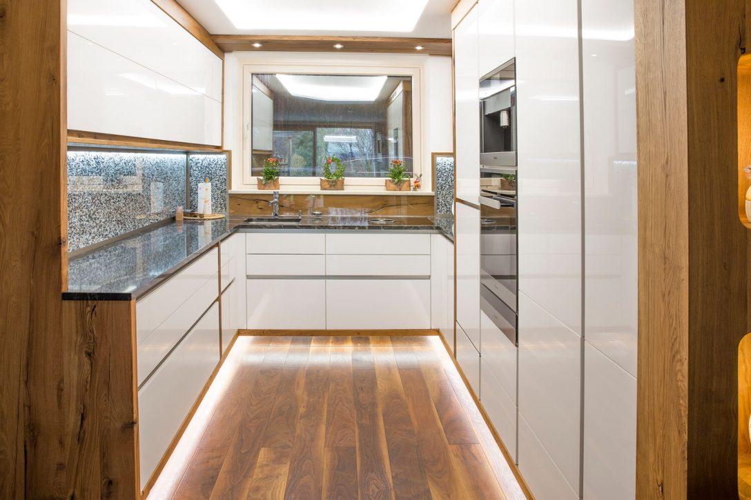 Large Size of Weiße Hochglanz Küche Schwarze Arbeitsplatte Hochglanz Küche Ausbessern Hochglanz Küche Putzen Glasreiniger Weiße Hochglanz Küche Mit Holzarbeitsplatte Küche Hochglanz Küche