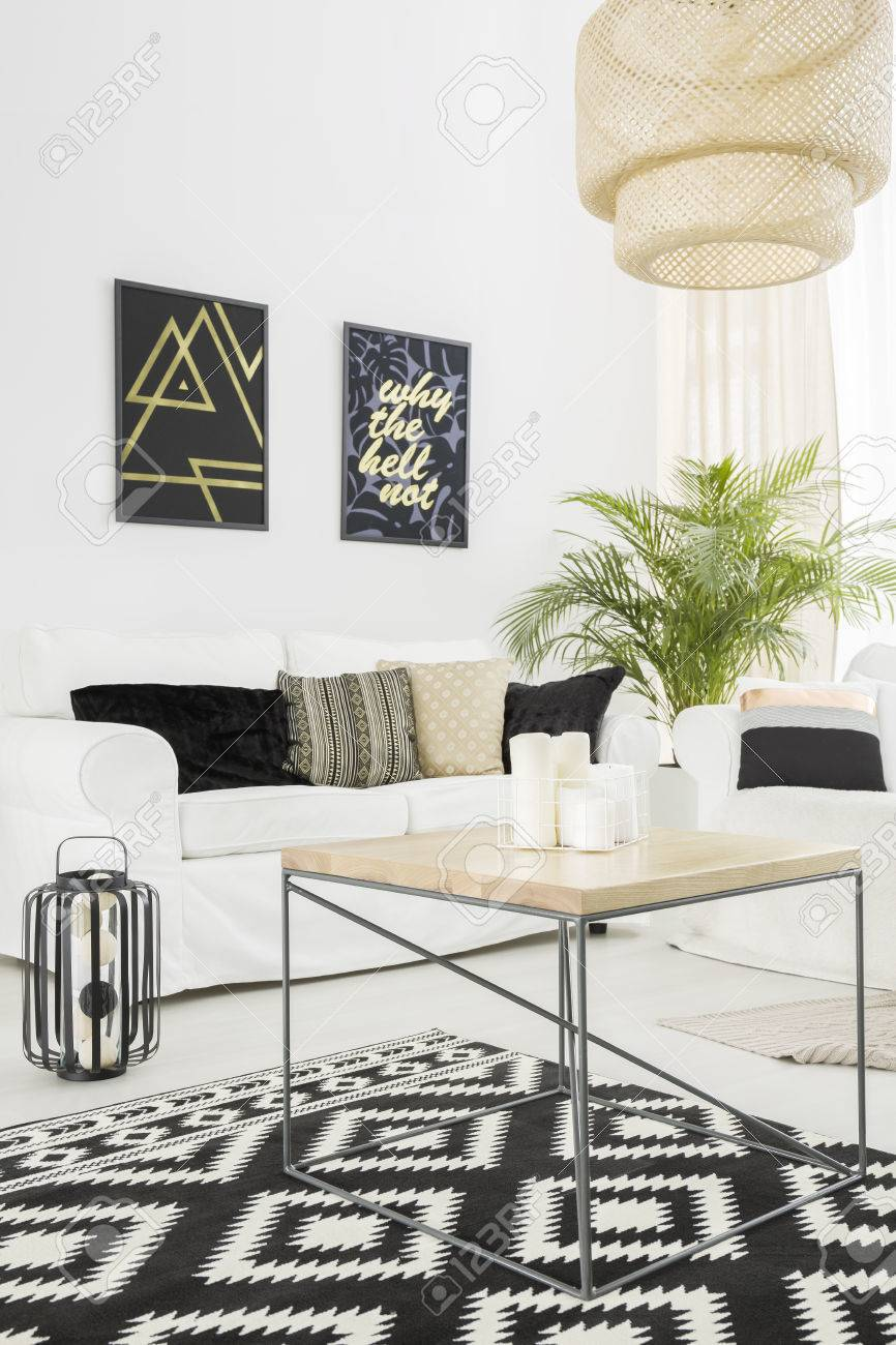 Full Size of Bright Living Room With Sofa Wohnzimmer Wohnzimmer Teppich