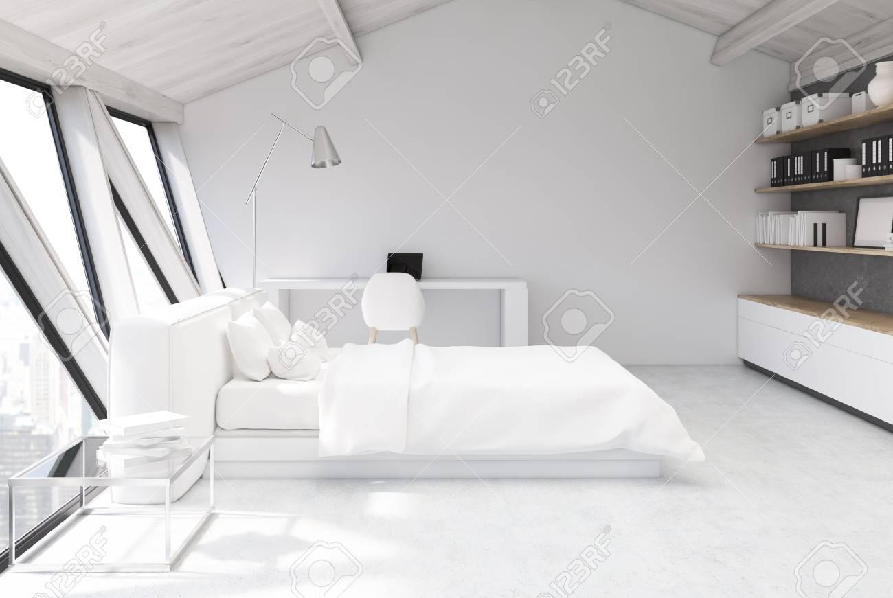 Full Size of Weies Schlafzimmer Im Dachgeschoss Mit Einer Weien Weißes Bett Luxus Lampe Komplett Massivholz Set Weiß Stuhl Für Schränke Wiemann Wandleuchte Schimmel Schlafzimmer Weißes Schlafzimmer